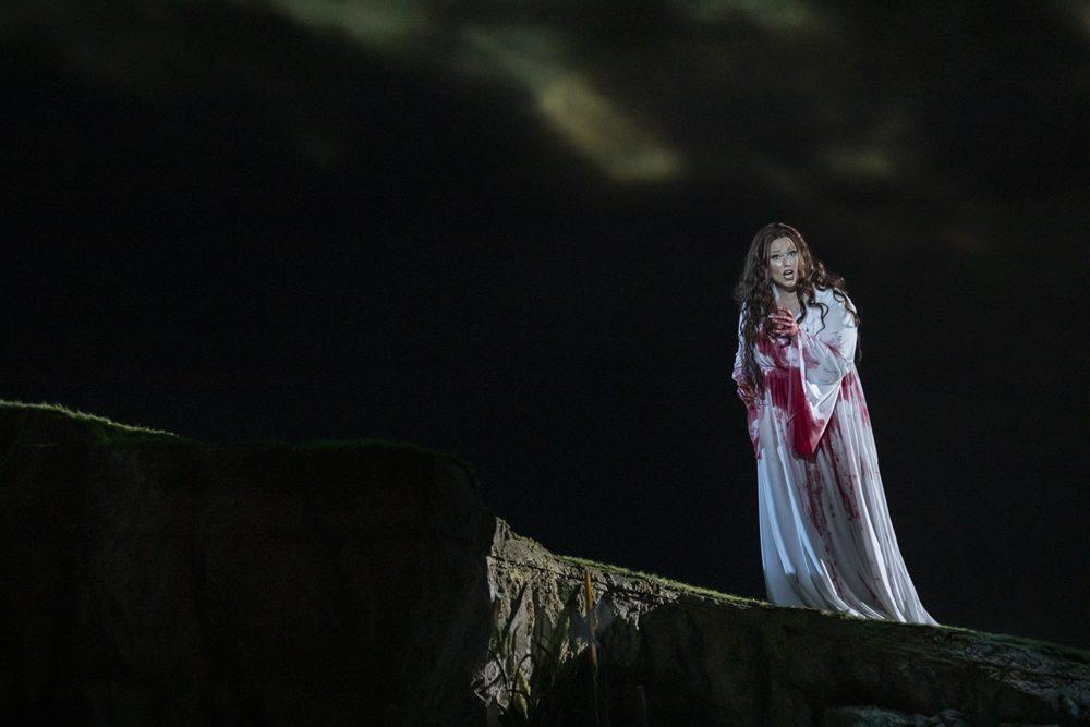 Lucia di Lammermoor ©Miguel Lorenzo y Mikel Ponce Les Arts 3